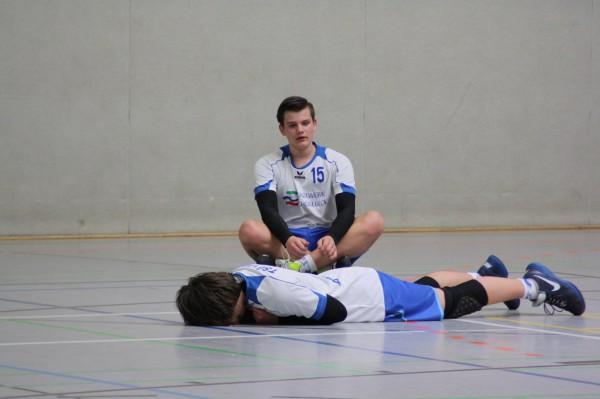 Symbolisch: Die Jungen der männlichen C-Jugend standen nach der Niederlage gegen die SG Kühnau erneut mit leeren Händen da.   Foto: privat
