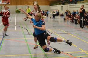 Vollen Einsatz zeigte auch Antje Schreiber, die gegen Schönebeck mit fünf Treffern erfolgreich war.