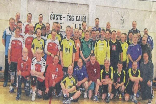 Die Calbenser Handballfreunde veranstalteten das jährliche Volkssportturnier. Fünf Teams folgten der Einladung.   Foto: privat