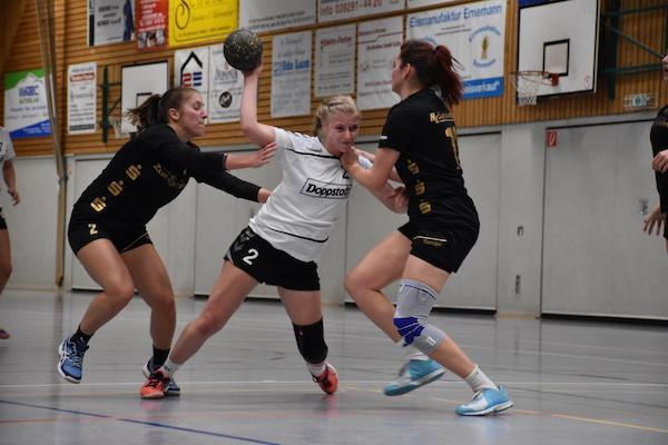 Marie Zilke setzt zu ihrem Treffer an.   Fotos (3): Ulrike Neumann