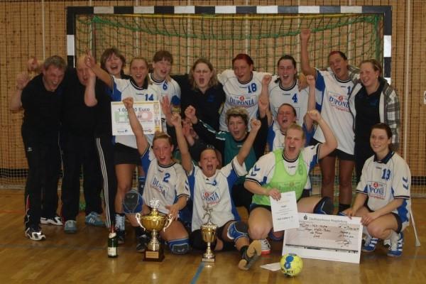 Historie_Frauenmannschaft_Landespokalsieger_2009.jpg